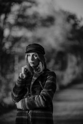 Fotoshooting, Shooting, Shooting München, Fotoshooting München, München Fotograf, München Fotostudio, Fotografin München, Portraitshooting, Portrait Frau, Fotos Frau, Beautyfoto, Beautyshot, Beautyshooting, Frau Lachend, Portraitfotos Frau, Influencer München, Shooting Influencer, Sedcardfotos, Sedcardshooting, Fotos Sedcard, Sedcard München, Model München, Modelfotos, Frau München, Melissa Bungartz, Fotografie Erleben, Fotograf Schwabing, Fotostudio Schwabing, Fotoshooting Schwabing, Fotograf Bayern, Shooting Bayern
