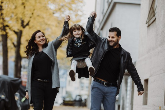 Familienfotos, Familienshooting, Shooting, Familie, Fotos Familie, Kinderfotos, Kinderfotograf, Kinderfotografin, Fotografin München, Fotostudio München, Fotograf München, Fotoshooting München, Kindershooting, Familienbilder, Geschwisterbilder, Geschwisterfotos, Shooting München
